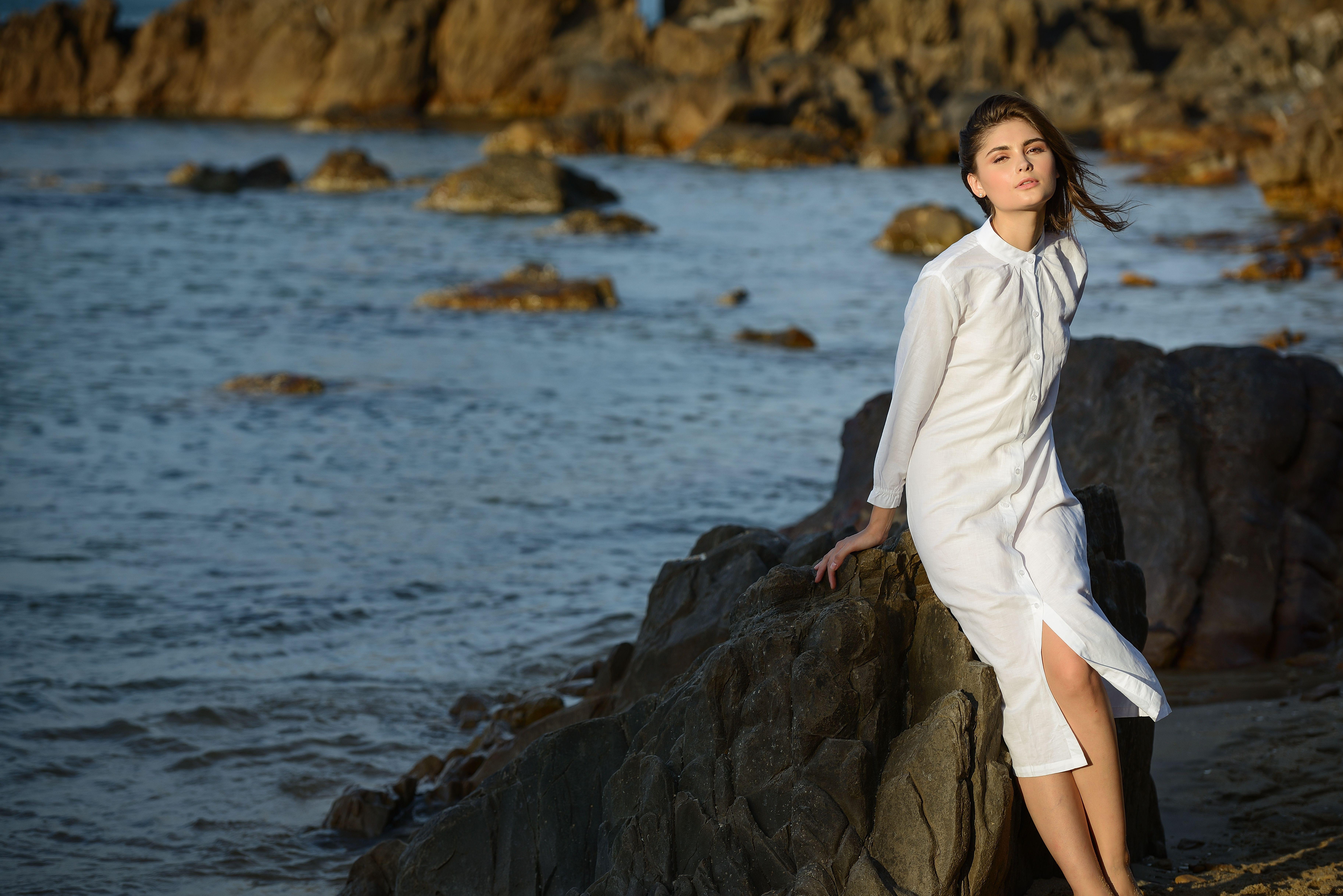 Sắc trắng bên biển